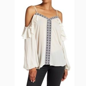 Pleione XL Cream embroidered cold shoulder blouse